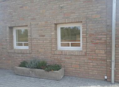 Fehér duplex osztású fa ablak